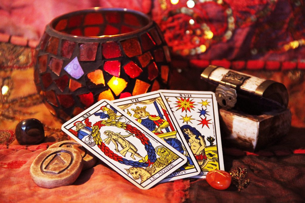 Learn Tarot with Zoe Dawes aka The Quirky Coach