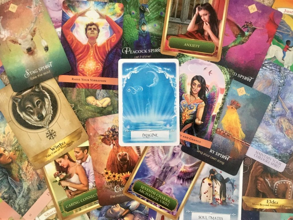 Intuitive Oracle Card Reading Course with Zoe Dawes